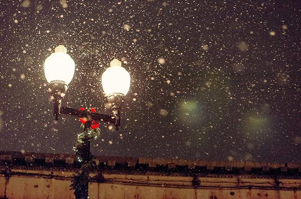 Ipad タブレット壁紙ギャラリー: Ipad タブレット用無料壁紙ダウンロード:雪と街灯