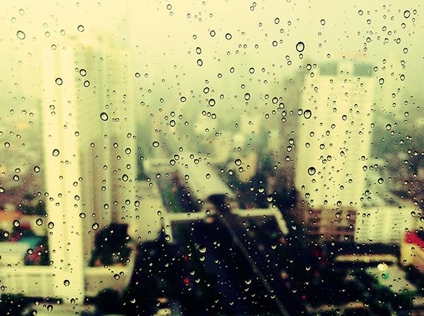 Ipad タブレット壁紙ギャラリー: Ipad タブレット用無料壁紙ダウンロード:雨と街並み